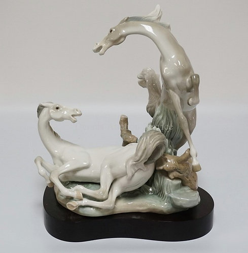 1008_LLADRO #4597 *PLAYFUL HORSES* PORCELAIN FIGURE WITH BASE. 15 1/2 INCHES HIG