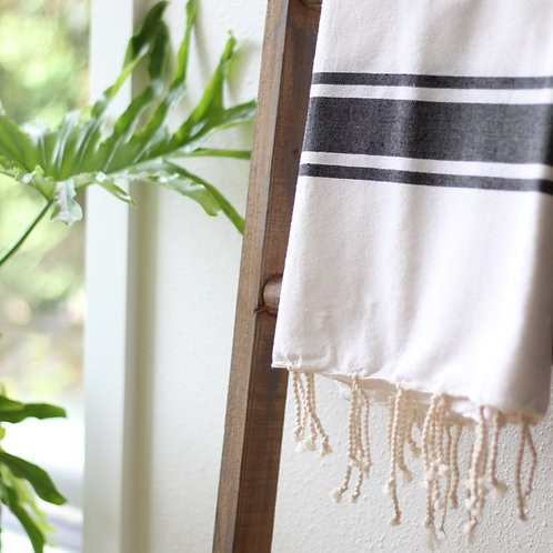 Hand Woven Flat Weave Casual Throw (Off White/Gray)