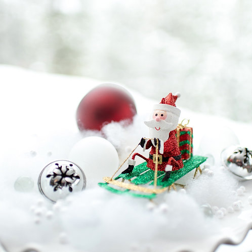 "3"" Santa on Sled w/Gift Ornament"