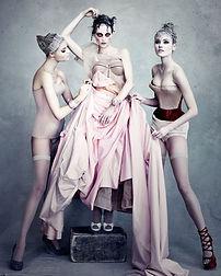 trio de femmes cabaret.jpg
