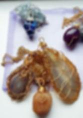 handmade jewellery, healign crystals, crystal pendant, agate, amethyst, tourmaline, green aventuribe, rose quartz