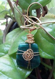 healign crystals, chakra, crystal pendant, handmade jewellery, jade, green jade