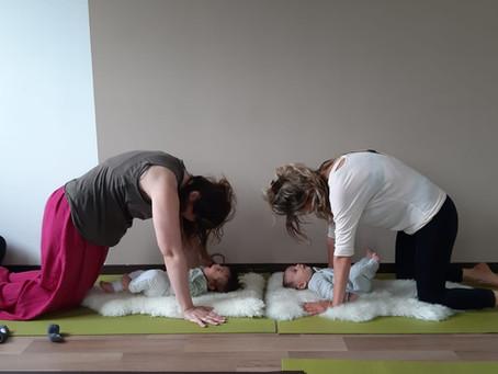 Yoga postnatal avec Bébé!!