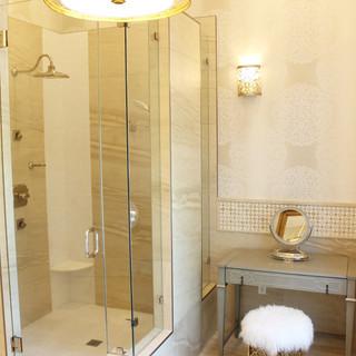 W Bathroom.JPG.jpg