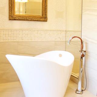 W Bath.JPG-2.jpg