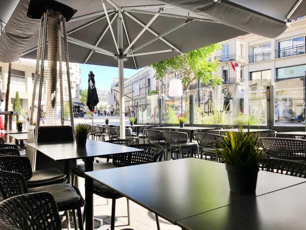 Terrasse Le Café de Caen