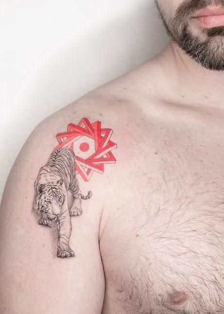 tiger tattoo anita la sainte microrealism tigre single needle