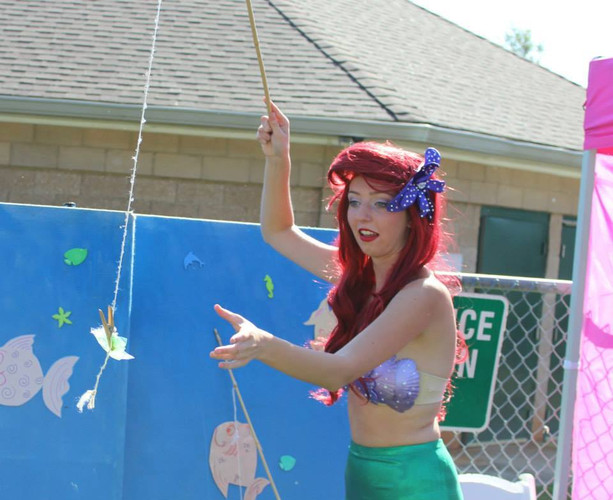 Donnelly as Ariel