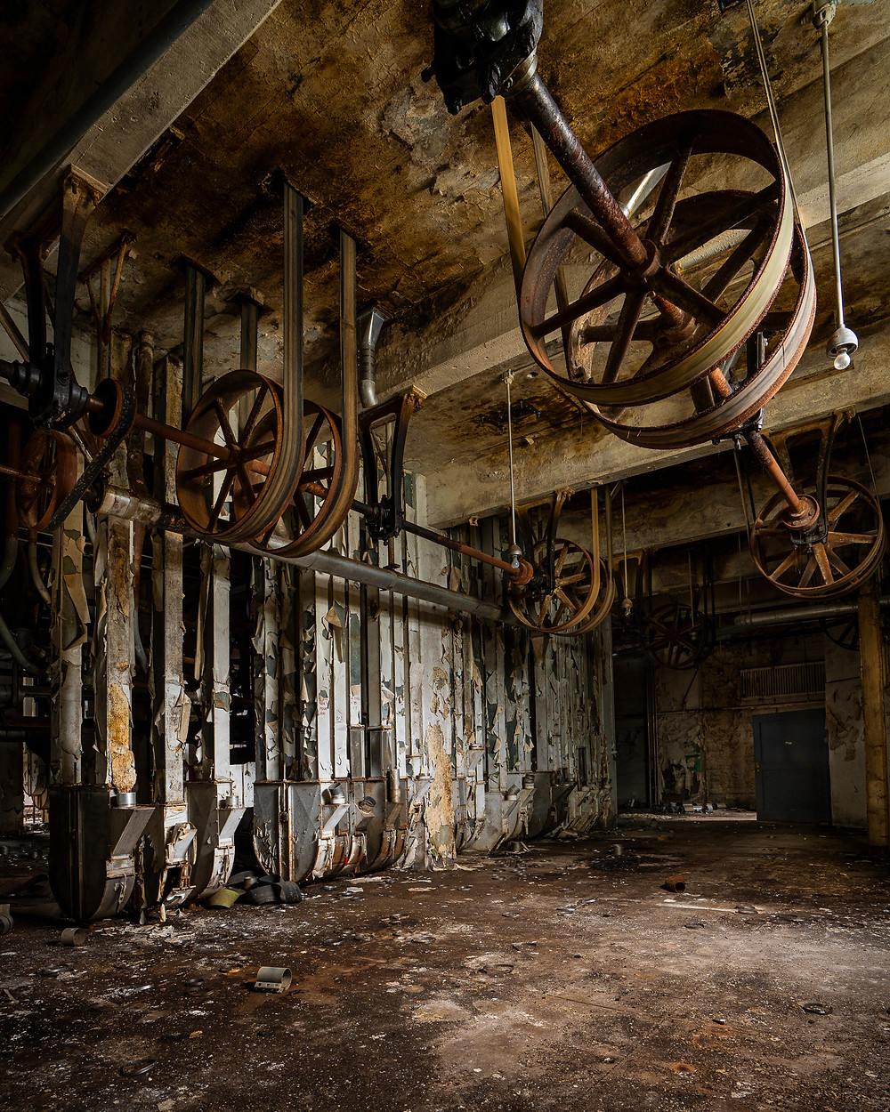 The abandon Lake & Rail flour mill belts and wheels that powered the plant