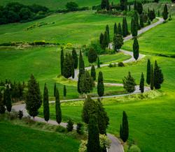 Monticchiello curvy Tuscan road