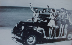 Car on beach with people 1935 from Andy Wilson.jpg