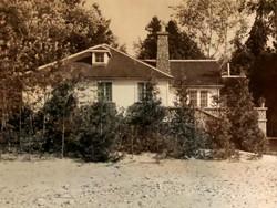huff Cottage 51 exterior in 1943.jpg
