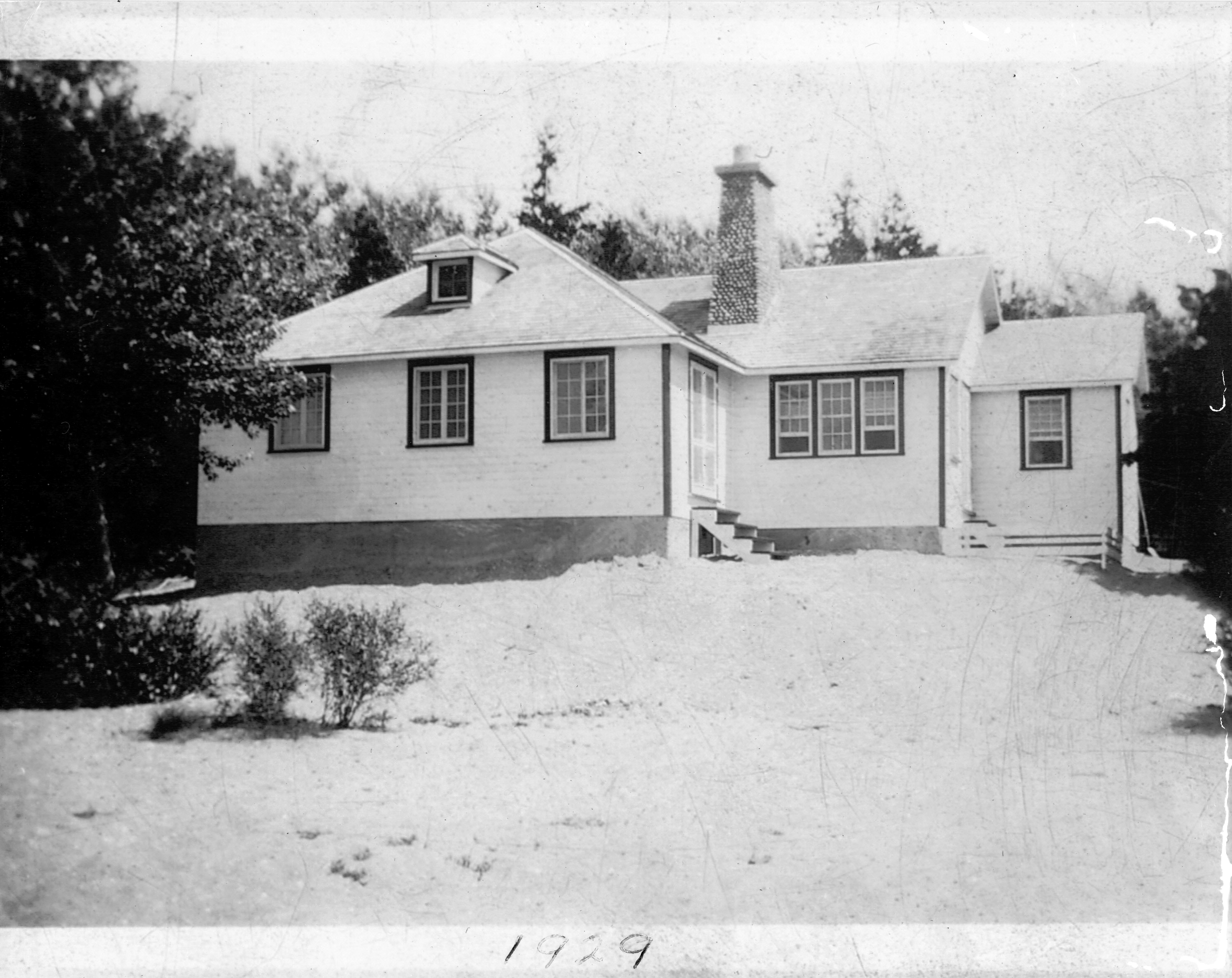huff Cottage 51 in 1929.jpg
