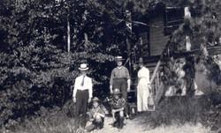 Mr Mrs Norman Slater at Baird Cottage.jpg