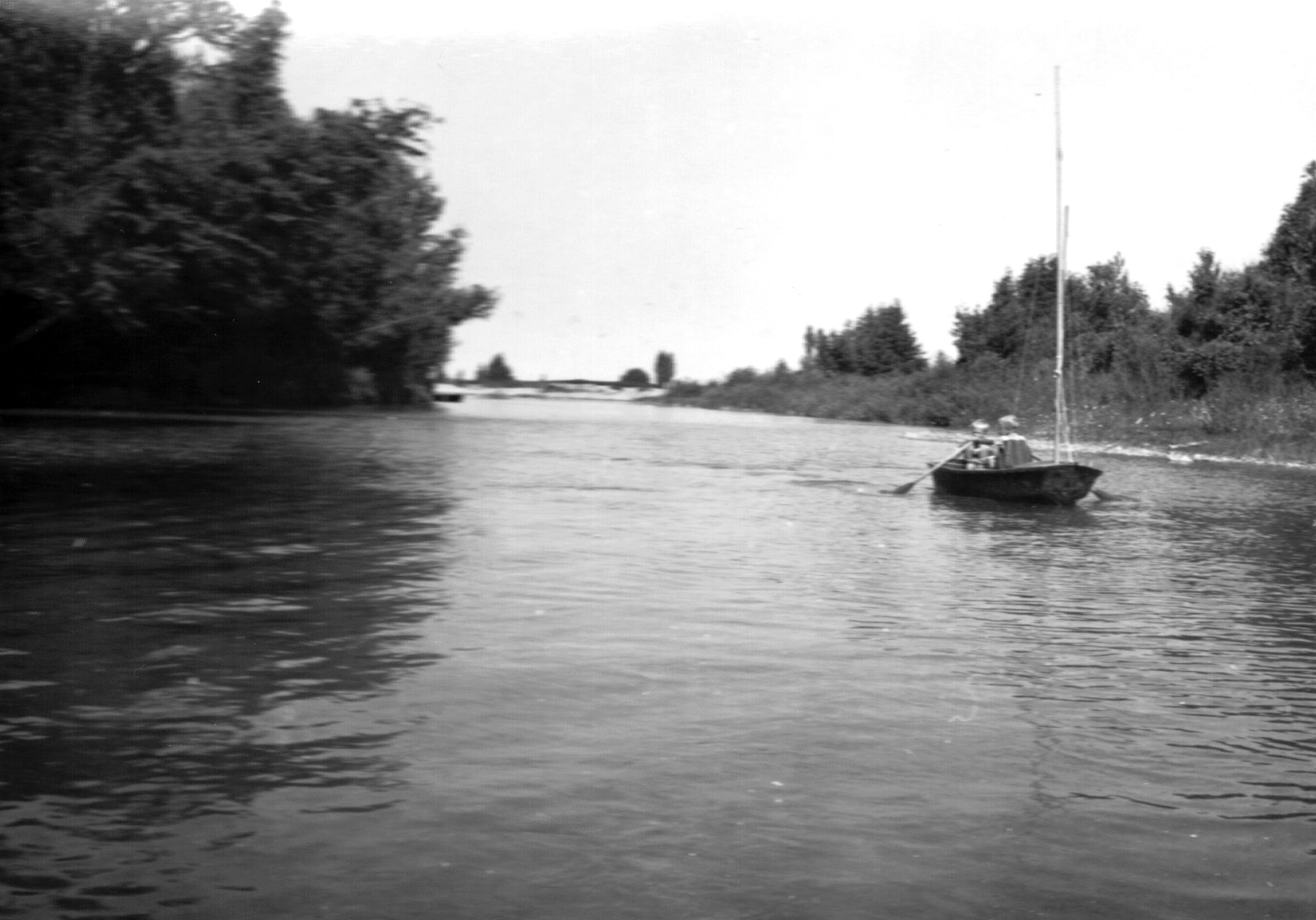 Pine River David and Andy, Jr. Wilson in sailboat July 1955.jpg