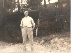 Norman (dad)(MacEachern).jpg