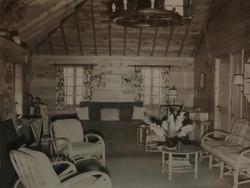huff Cottage 51 interior in 1943.jpg
