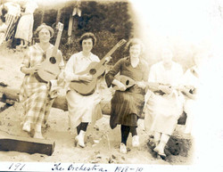 BB Orchestra 1918-19.jpg