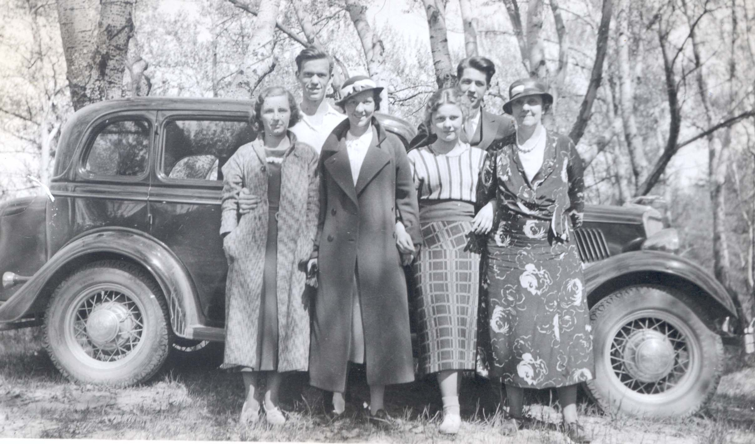 1934 Betty Mack Craig Davidson EJ Betty Don Mrs Davidson.jpg
