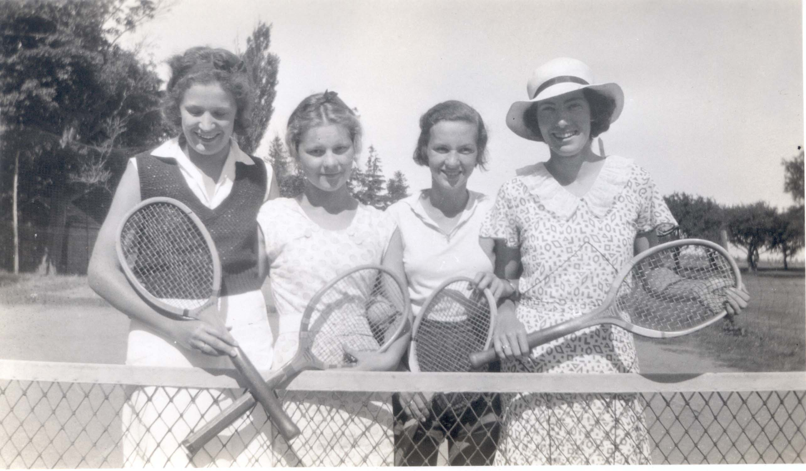 Tennis players  Betty Malcolm 2nd  Margaret Mary Love right 1933.jpg