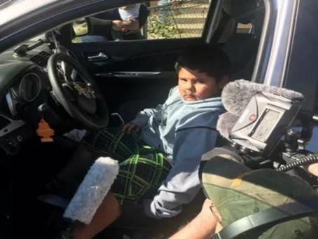 Polícia flagra menino de 5 anos dirigindo para a Califórnia para comprar uma Lamborghini
