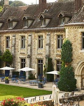 abbaye-des-vaux-de-cernay.jpg