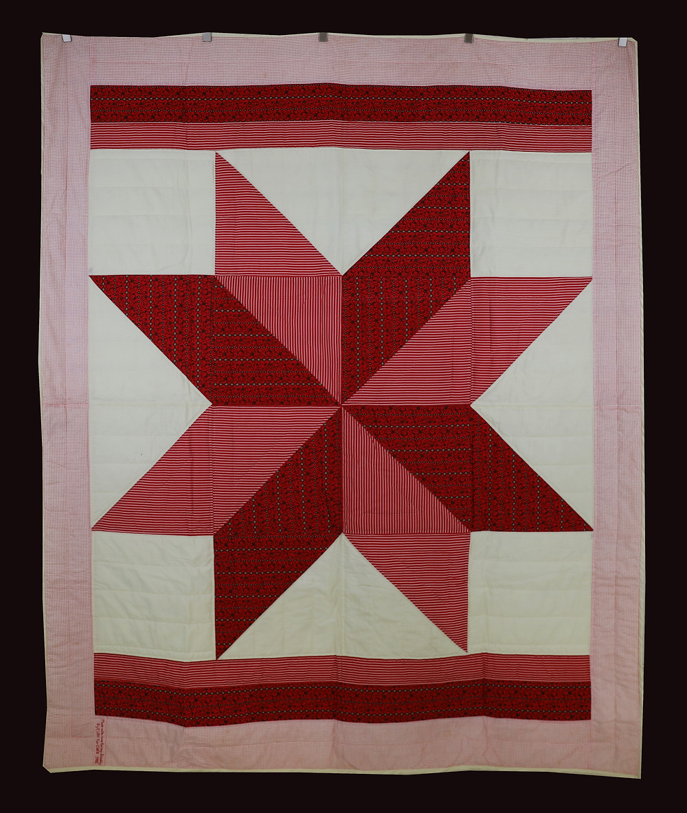 Red and Cream Star Quilt by Bunny Rittenour
