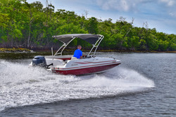 23 Ft. Bowrider or Deckboat Rental