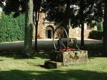 PHILIP HAWKES 1605 Lot_Well and Arch.png