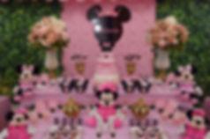 Minnie Rosa com muros ingleses