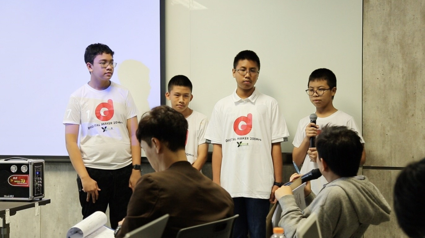 young digital maker3.jpg