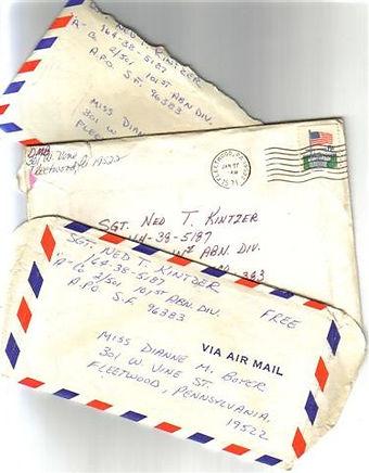 brieven van thuis 374x480.jpg