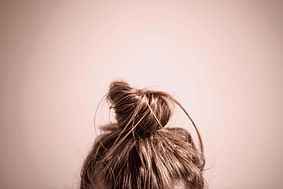 hair-in-messy-bun_edited_edited_edited.j