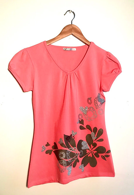 Size M Coral fitted T with graphite heart splashing & sparkly silver hearts