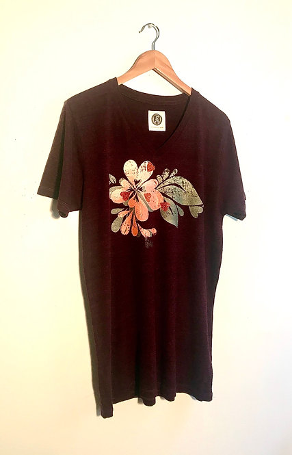 Size XL Deep plum T with peach bloom heart splash & lime leaves