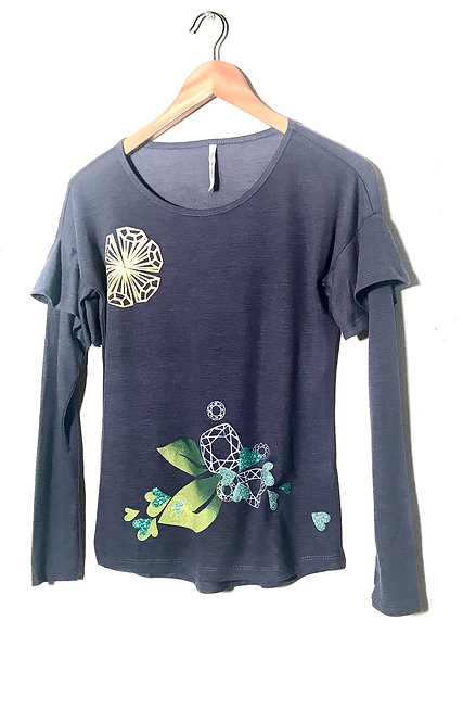 Size S Rondelle Sun with leaf & gemstone cluster- aqua hearts