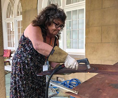 Cheryl cutting steel
