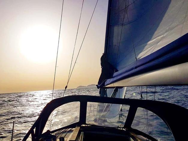 San Yago surcando los mares