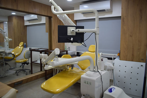 Everest%20Dental%20Solutions%20Clinic_ed