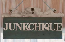 JUNKCHIQUE Studio Sign