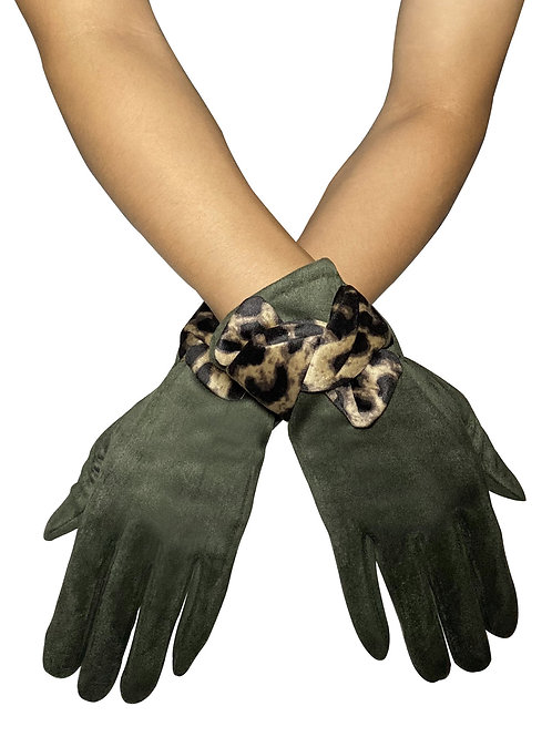Green 'Suede' Style Touchscreen Gloves with Leopard Print Bo