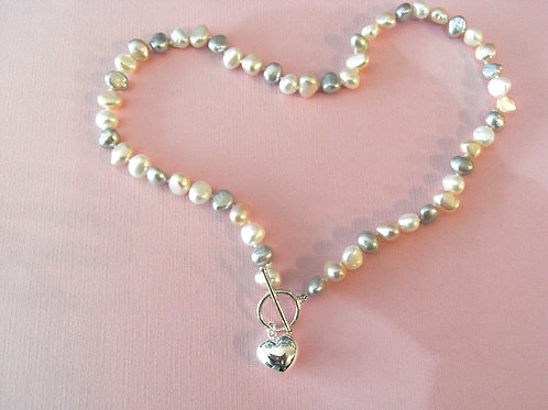 Freshwater Pearl Heart Clasp Necklace