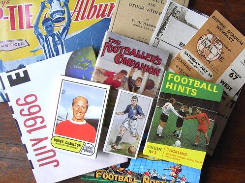 Football Nostalgia Memorabilia Pack