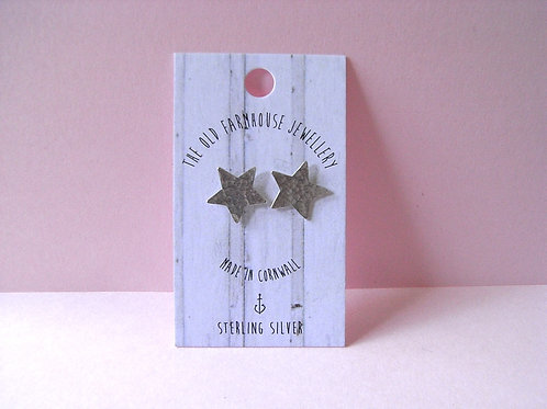 Old Farmhouse Silver Hammered Star Studs