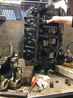Engine Block Disassemble Clean Inspect Assess Chevrolet GM Dodge Ford Engine Rebuilers Wisconsin Waukesha Brookfield Sussex Wales Summit Delafield Milwaukee