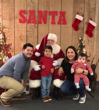 Santa family portraits