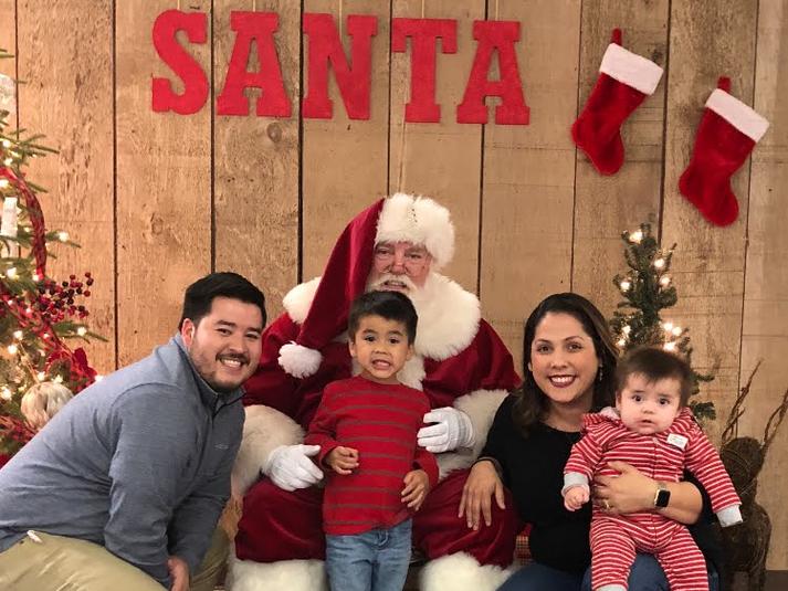Huntsville TX Santa with Family