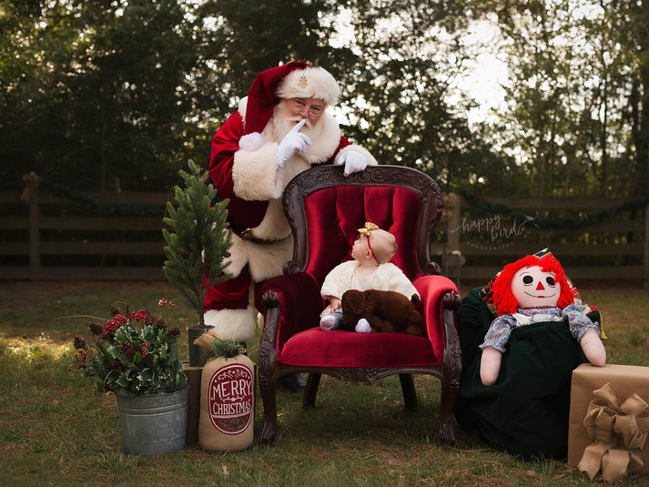 Babys first Santa pics