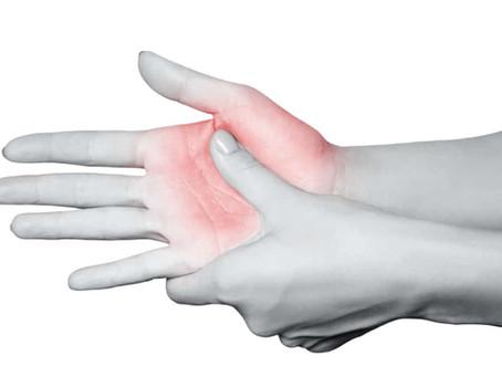 Почему немеют пальцы рук и как лечить?