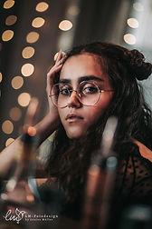 Portrait Mädchen mit Brille